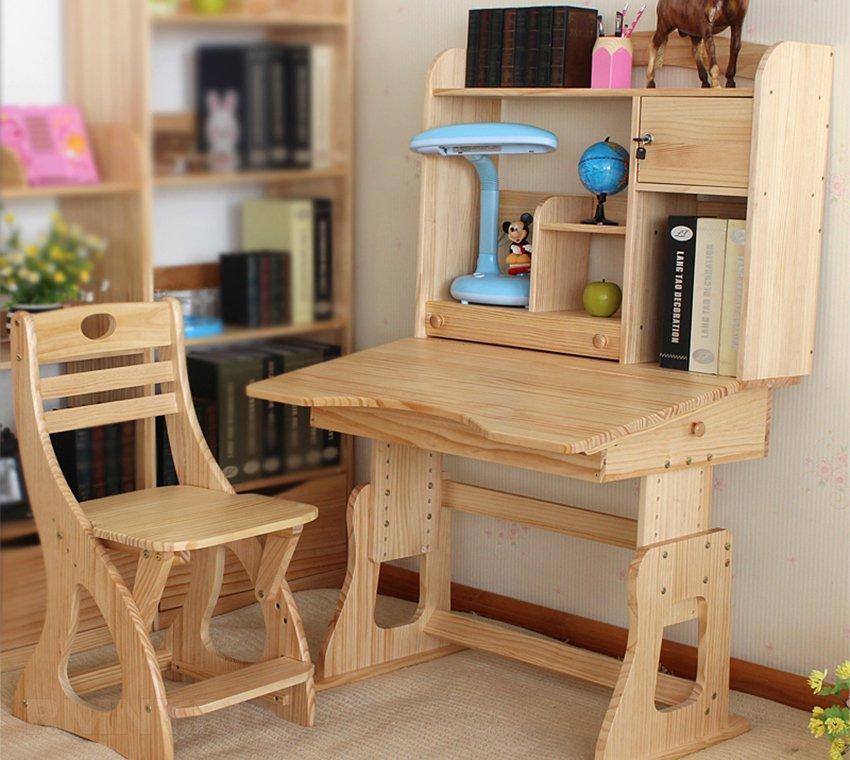 Мобильный деревянный столик